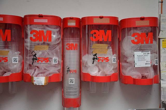 Farbbecher der Marke 3M